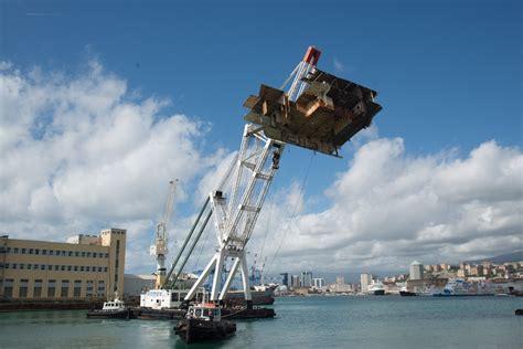 noleggio auto porto di genova mykonos i 176 noleggio pontone gru galleggiante sollevamento