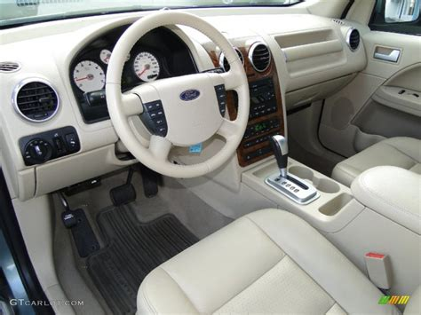 car manuals free online 2007 ford freestyle interior lighting pebble beige interior 2006 ford freestyle limited photo 55641569 gtcarlot com