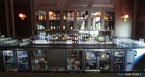 essential bar equipment for the bar or restaurant