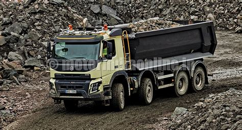 automatic volvo semi truck volvo trucks the first to introduce automatic all wheel drive