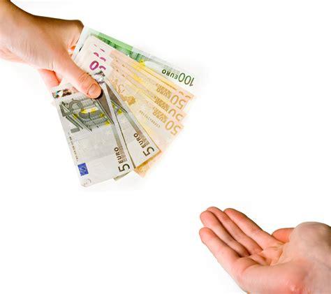 Finanziamenti Che Banca by Richiesta Prestiti Meglio La Banca O Una Finanziaria