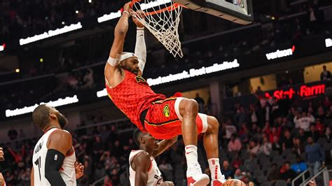 vince carter  atlanta hawks reaches  career points
