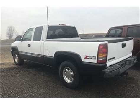 find used 2003 gmc sierra 1500 sl extended cab pickup 4 door 4 8l in huntington beach 2003 gmc sierra 1500 sl 4x4 ext cab orono ontario car for sale 2734883