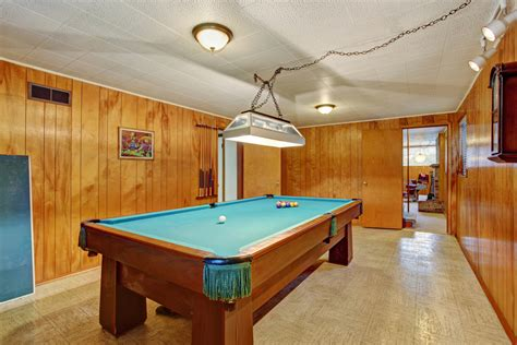 Pool table and