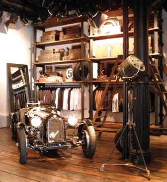 the dollhouse q concept store new york retail stores vintage visual merchandise stores