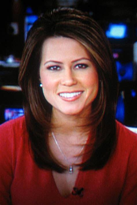 cnn women news anchors hairstyles asian chicks betty nugyen is a great anchor at cnn
