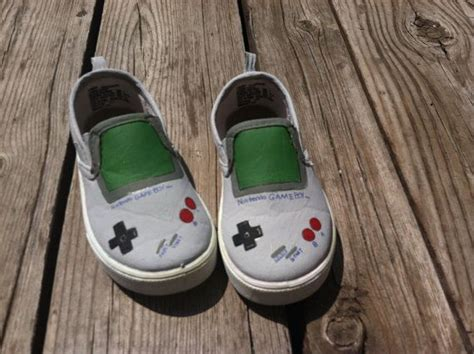 Gameboy Footwear by 11 Best Sherlock Images On Benedict