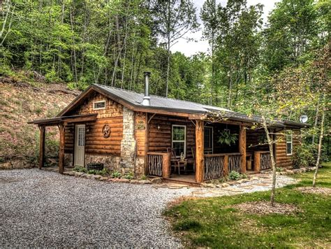 cabin city two bedroom rustic log cabin rental in the mountains near