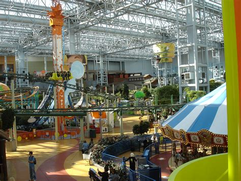 mall of america theme park hours
