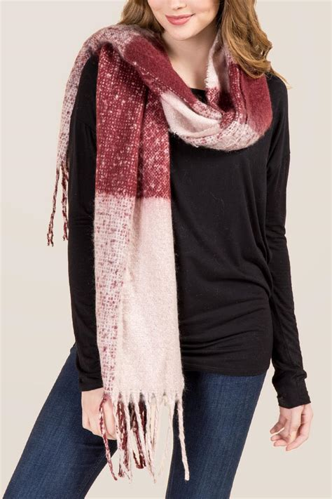 Larin Top White T3009 larin large black and white plaid scarf s