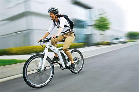 Auto Bild Fahrradfahrer by Fahrradunfall Urteil Mitschuld Ohne Helm Autobild De