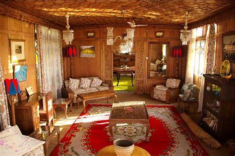 srinagar boat house houseboat of dal lake srinagar history and tourism details