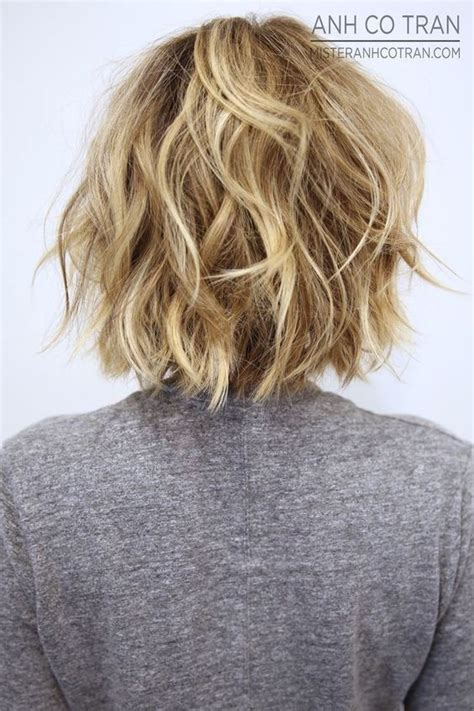 back view of layered hairstyles long layered stacked bob haircut pictures