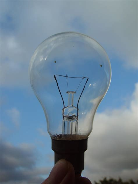 a discharging capacitor is used to light bulbs of different types how to use a light bulb to discharge a capacitor 28 images philips 250 watt ed28 mercury