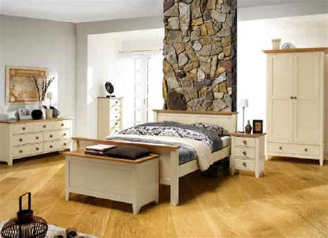 Pine Bedroom Furniture Decorating Ideas by Classic Rustic Pine Bedroom Furniture Design And Decor Ideas
