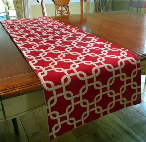 table runner contemporary red and white lattice by