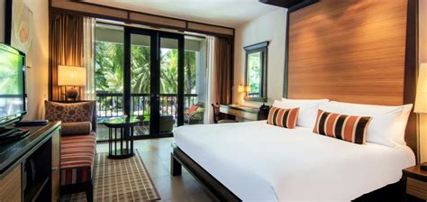 tropical rooms pattaya hotel rooms with pool access siam bayshore