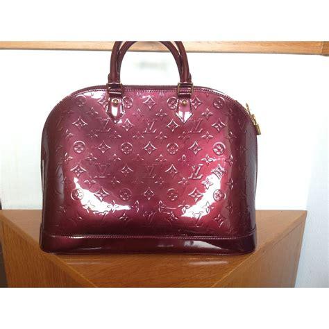 Prada Alma Uk 25x22cm 1 louis vuitton top handle alma mm burgundy patent leather ref a76801 instant luxe