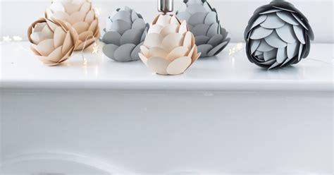 kerzenhalter papier diy winterdeko papier tannenzapfen als kerzenhalter