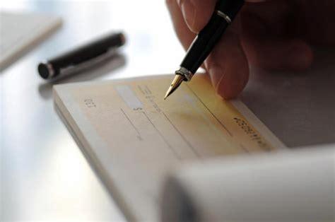 banca trattaria assegno clausole particolari sugli assegni
