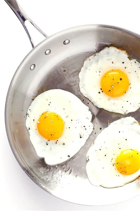 how to make fried eggs 4 ways gimme some oven