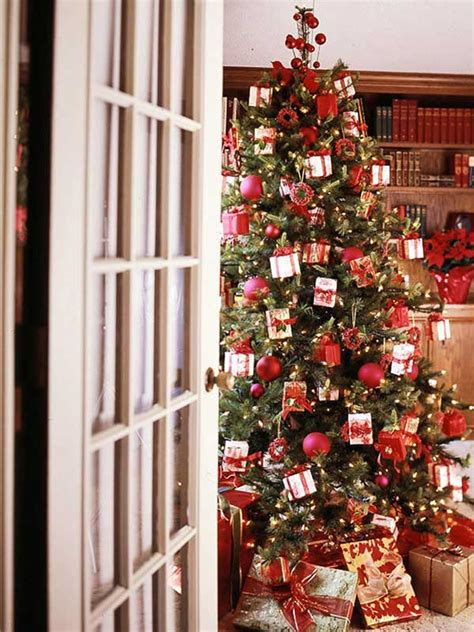 creative tree decorating themes 25 creative and beautiful tree decorating ideas
