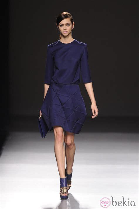 imagenes vestidos otoño invierno 2015 vestido azul noche de devota lomba en madrid fashion