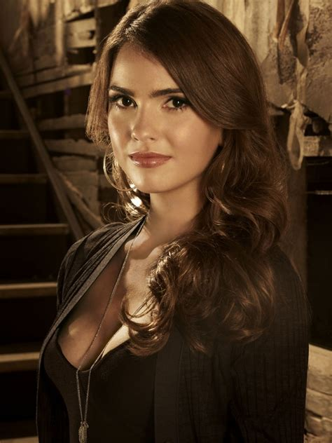 who styles malias hair love love her hair makeup style here shelley hennig
