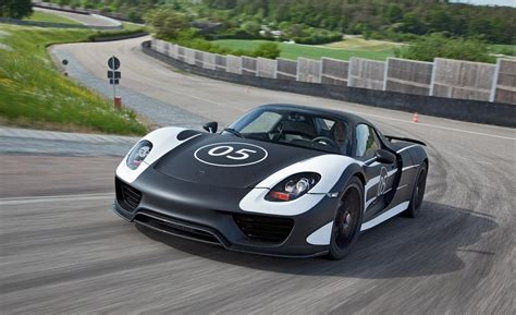 fastest porsche 918 car and driver
