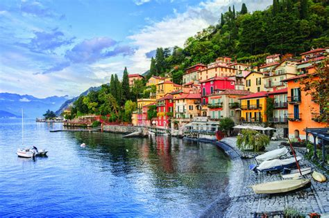 italy travel guide the real travel guide with stunning pictures from the real traveler all you need to about italy books italy travel guide