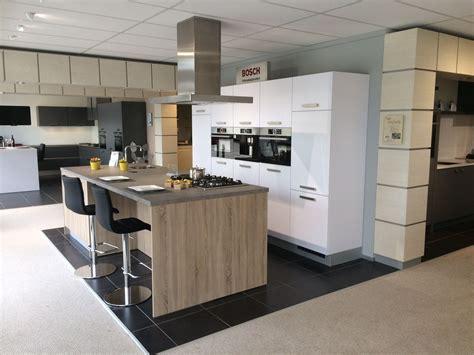 keller keukens apparatuur ssk jubileum keuken keller kastenwand met 5 apparaten