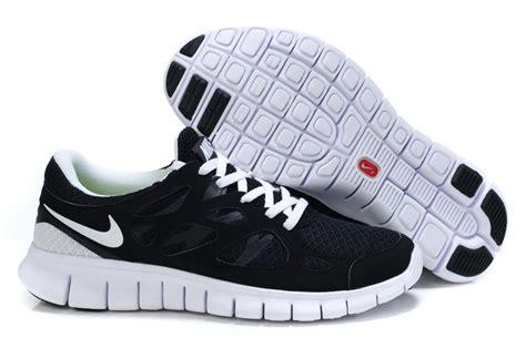 save up to 60 nike free run 2 black white running
