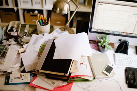 buro laboral rommelig bureau stimuleert de creativiteit flexas