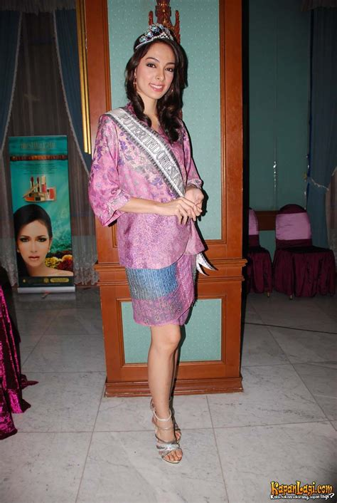 Kartikasari Hers 3 miss international indonesia 2011 reisa kartikasari