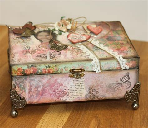 Decorating Ideas For Jewelry Boxes Pin By Maneki On Jewellery Displays Packaging Etc