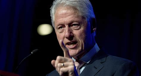 bill clinton lauds cities upholding paris agreement