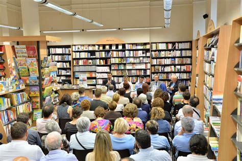 libreria paoline brescia eventi presentazione libro dibattiti sull immigrazione