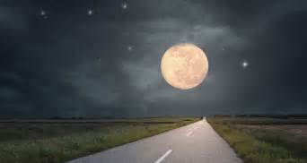 Moon Illusion What Is Moon Illusion Farmers Almanac
