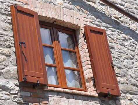 costruire persiane in legno come scegliere le persiane consigli finestre