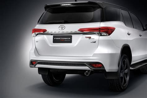 Grill Fortuner Vrz 2016 Trd toyota fortuner gets trd treatment cars co za