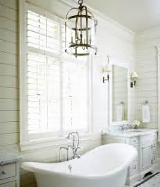 cottage tub tub between wastsands cottage bathroom