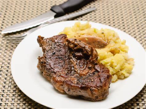 come cucinare una bistecca 4 modi per cucinare una bistecca di spalla di manzo
