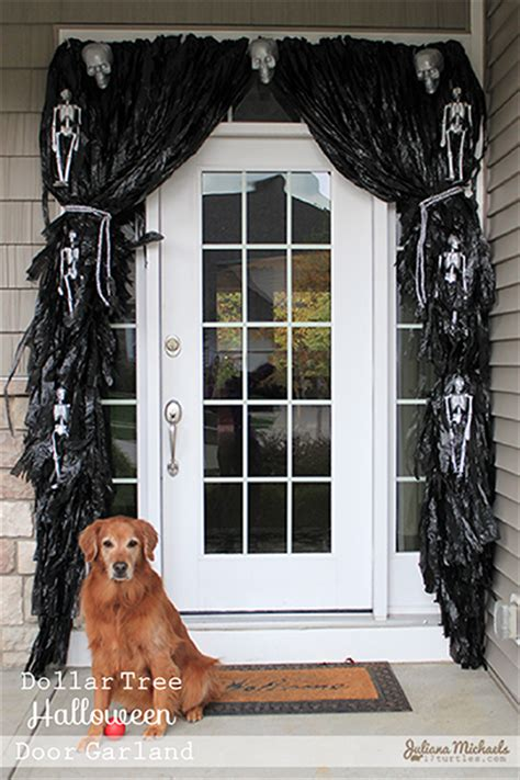 11 easy diy halloween decorations with trash bags 11 spooky halloween decorations made from trash bags