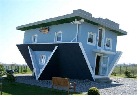 la strana casa strane il mondo sottosopra di trassenheide in germania