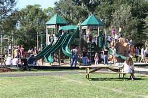 Resultado de imagen de familia en parque