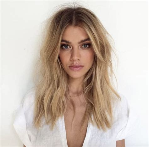 pics of bolomde hair on top and dark nottom 25 best ideas about warm blonde highlights on pinterest