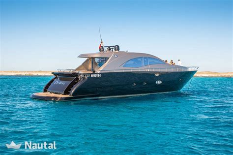 jacht huren ibiza huur jacht leopard leornard 72 open in port d eivissa