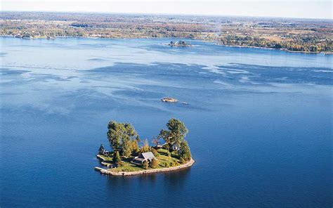 thousand islands the 1000 islands singer castle on dark island usa