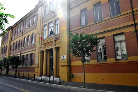 ufficio scolastico provinciale pesaro pesaro caos al classico il prefetto convoca tutti o quasi