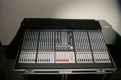 Mixer Allen Heath Gl2800 photo allen heath gl2800 32 allen heath gl2800 32